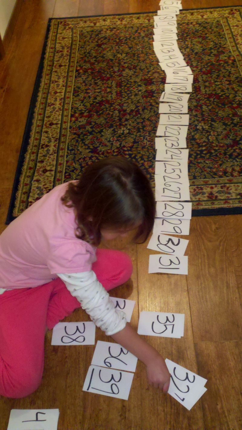 Learning counting to 50 with math flash cards