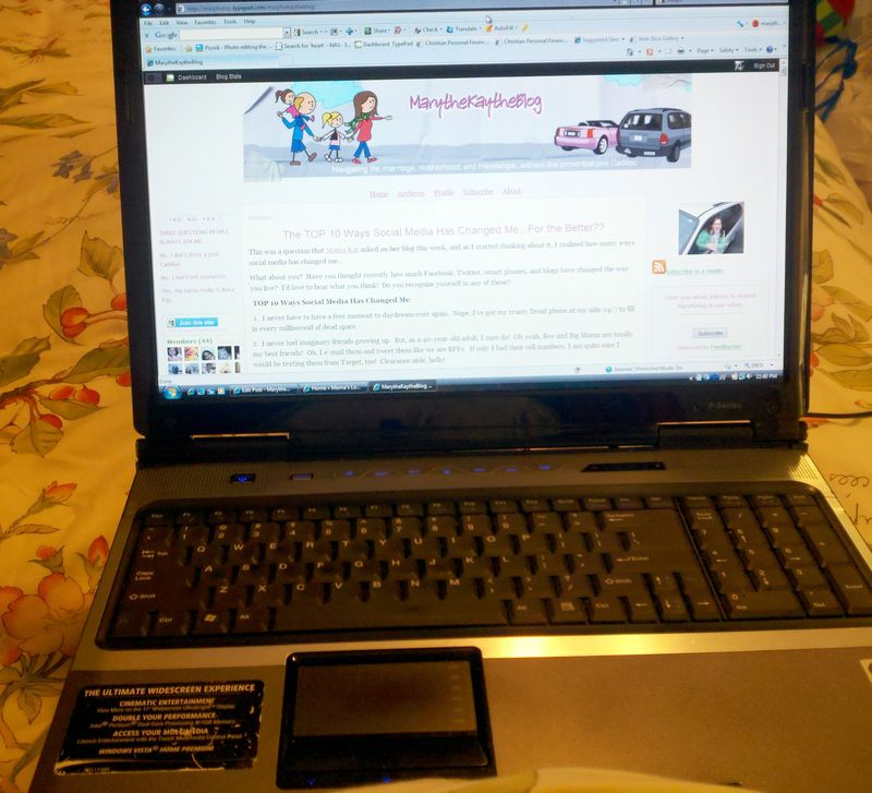 Laptop in bed pic