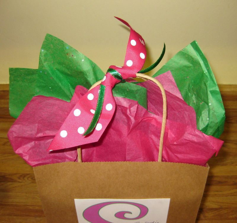 Dressing up a plain gift sack top pink bow