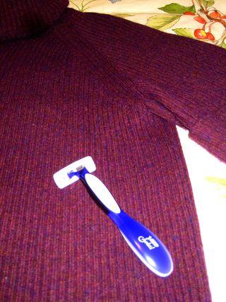 Sweater use a brand new razor