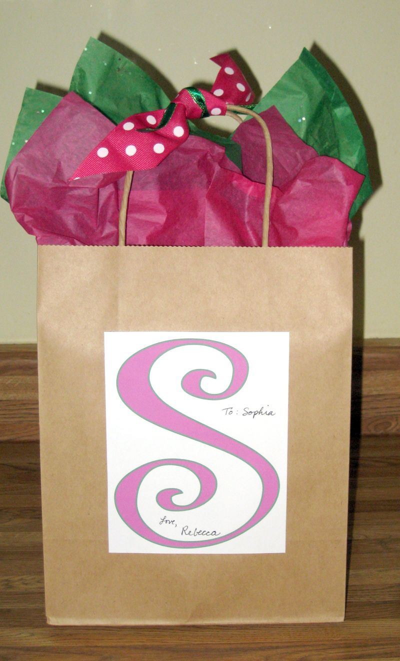 Dressing up a plain gift sack pink and green1