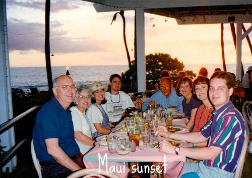 Spring Break in Maui -outdoor dining