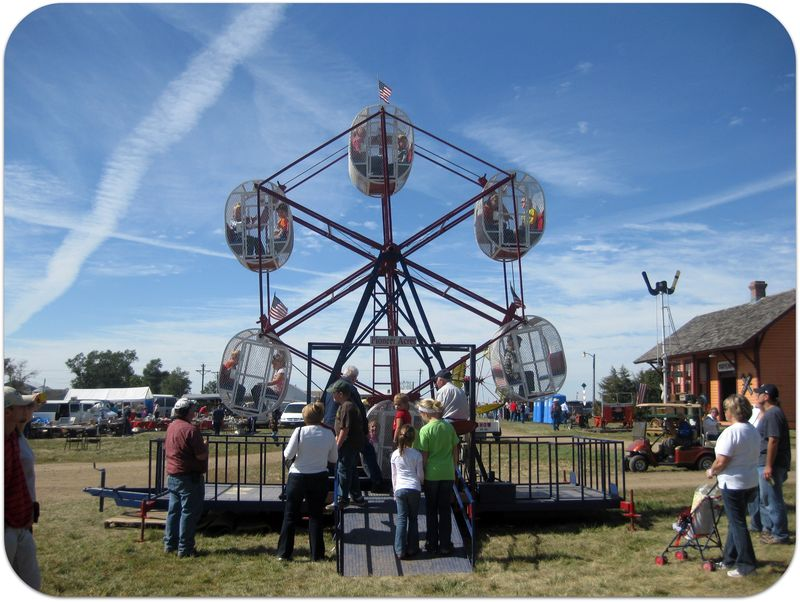 South Dakota Pioneer Power mini ferris wheel