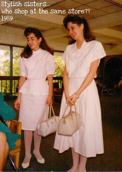 Stylish sisters who dress alike 1989