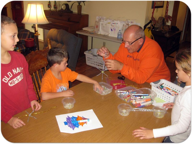 Christmas in Italy making star ornaments