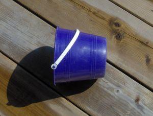 Stock xchng 559561_blue_bucket