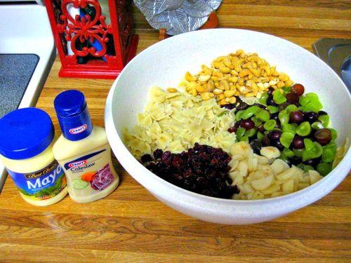 Chicken and cashew pasta salad