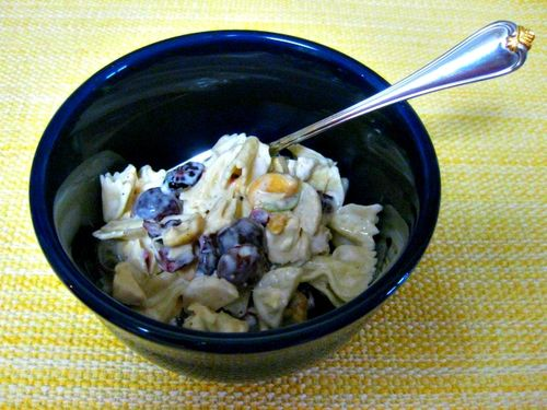 Chicken and cashew pasta salad bowl2