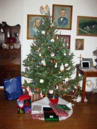 Christmas tree at grandmas