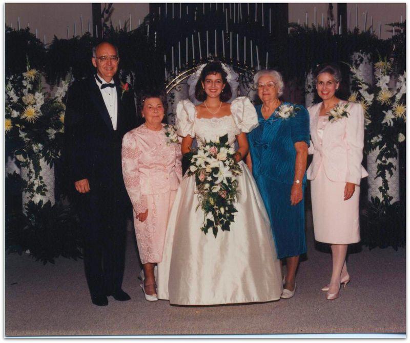 Wedding photo grandparents